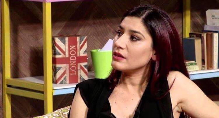 Këngëtarja shqiptare bëhet nënë