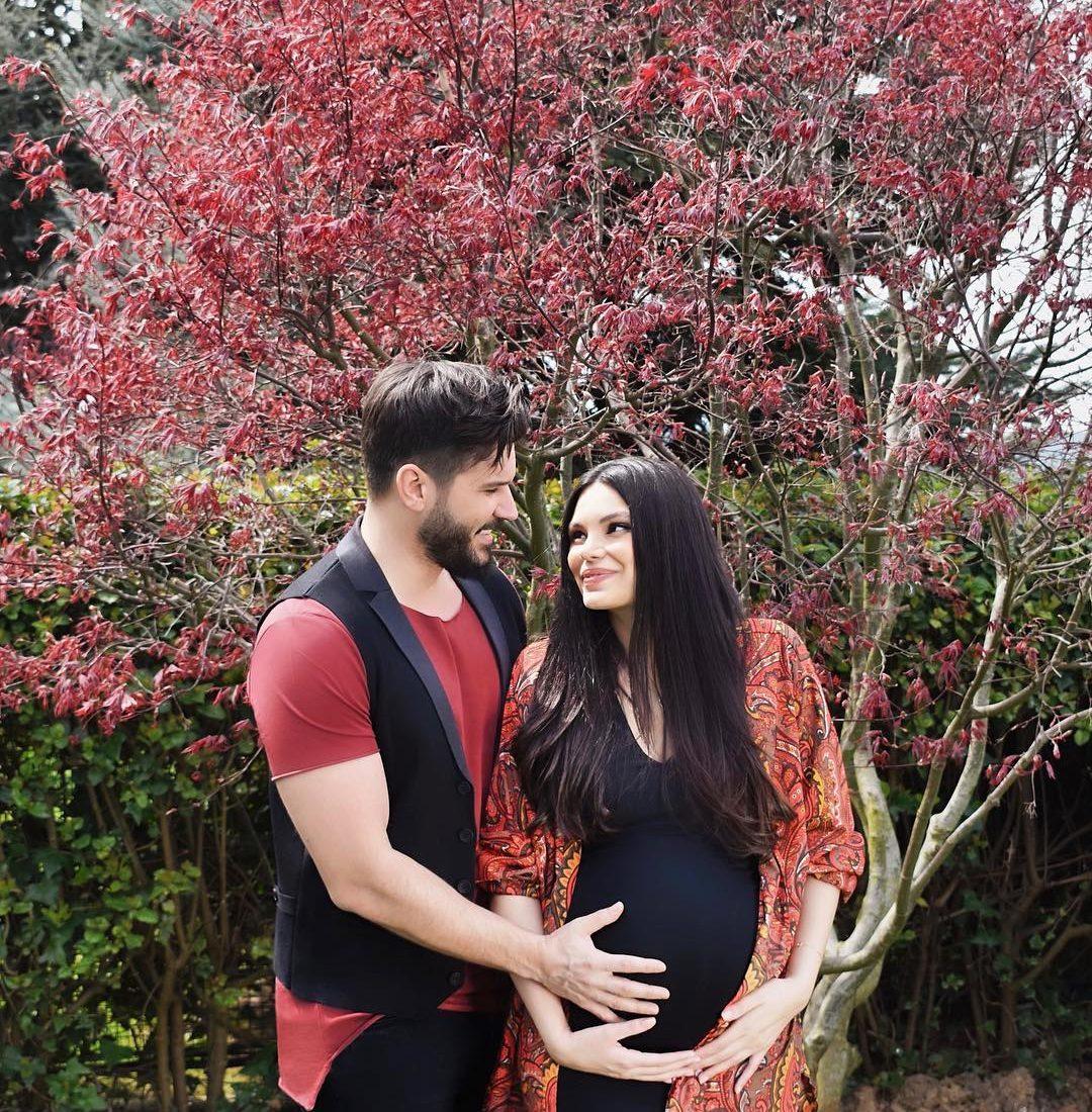 Almeda ngre shtanga në ditët e fundit të shtatzënisë dhe duhet parë për ta besuar