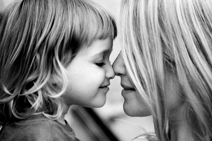 8 Mësime për jetën  që vetëm një nënë e fortë ia mëson të bijës