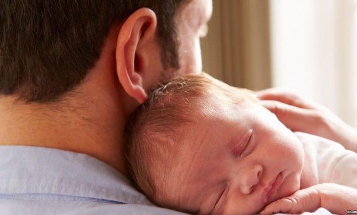 Me projektligjin e ri parashihet pushim edhe per babane pas lindjes se femijes