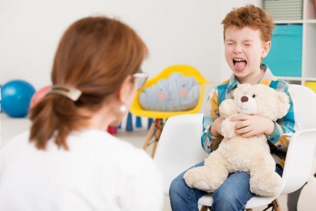 Ja si të dalloni nëse fëmija juaj është me autizëm  metoda më e re